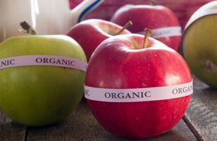 organic apples featured